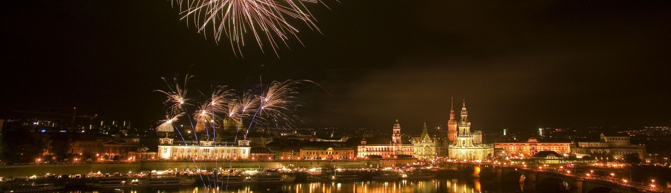 Feuerwerk ueber der Altstadt von DresdenFoto: DMG/Dittrich
